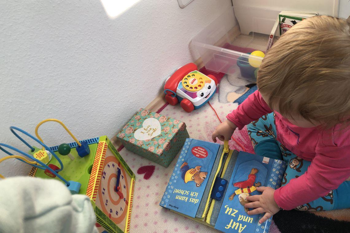 das buch auf und zu babyspielzeug